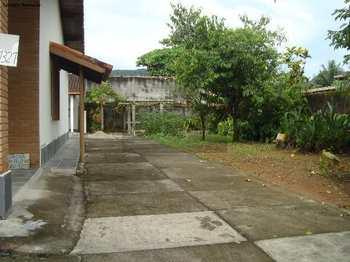 Casa, código 106 em Caraguatatuba, bairro Balneário Califórnia