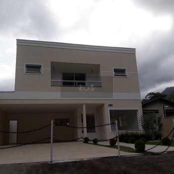 Sobrado em Caraguatatuba, bairro Mar Verde II