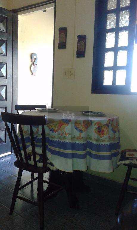 Casa em Caraguatatuba, no bairro Tinga