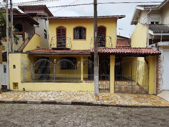 Sobrado em Caraguatatuba, no bairro Jardim Primavera