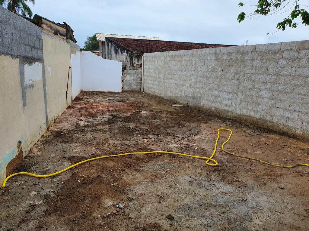 Galpão em Caraguatatuba, no bairro Jardim Porto Novo