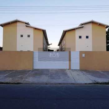 Sobrado em Caraguatatuba, bairro Porto Novo