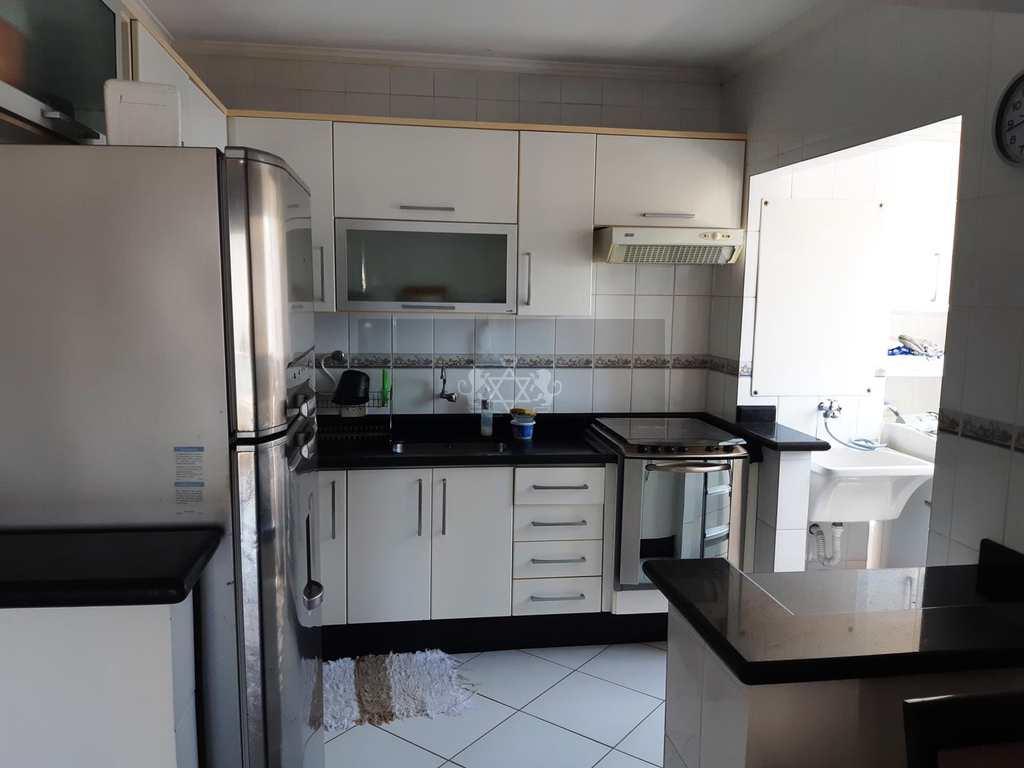 Apartamento em Caraguatatuba, no bairro Aruan