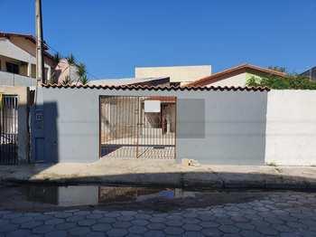 Casa, código 239 em Caraguatatuba, bairro Centro