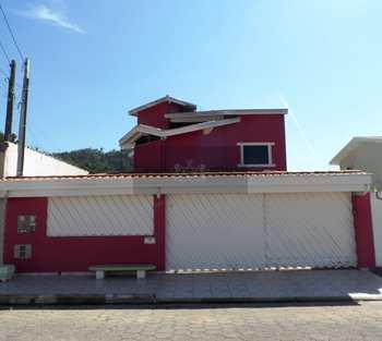 Sobrado, código 288 em Caraguatatuba, bairro Caputera