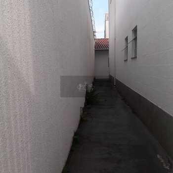 Prédio em Caraguatatuba, bairro Centro
