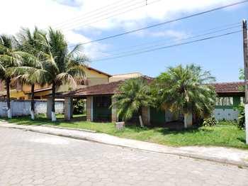 Casa, código 299 em Caraguatatuba, bairro Massaguaçu