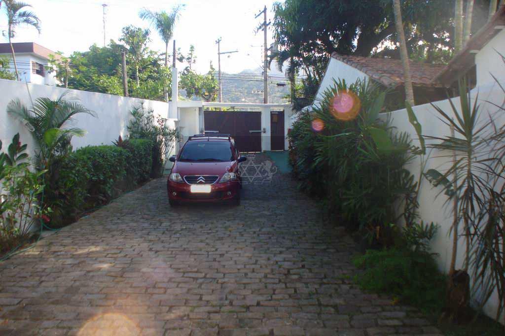 Casa em São Sebastião, no bairro Pontal da Cruz
