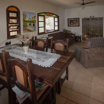 Casa em São Sebastião, bairro Canto do Mar