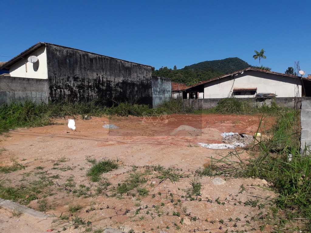 Terreno em Caraguatatuba, no bairro Portal da Fazendinha