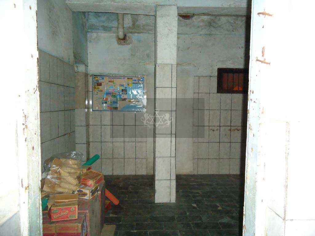 Prédio Comercial em Caraguatatuba, no bairro Centro