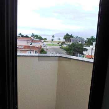 Apartamento em Caraguatatuba, bairro Indaiá