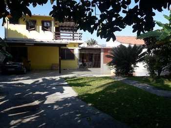 Casa, código 446 em Caraguatatuba, bairro Porto Novo