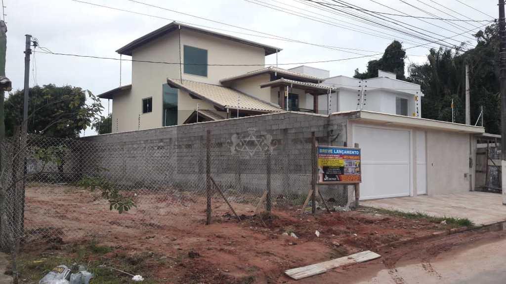 Sobrado em Caraguatatuba, no bairro Praia das Palmeiras