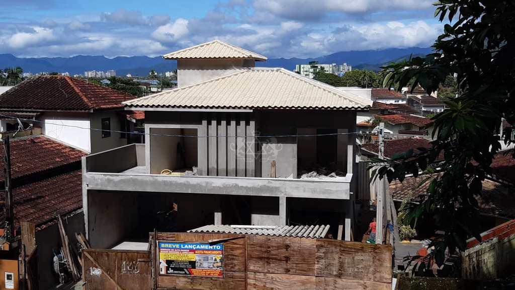 Sobrado em Caraguatatuba, no bairro Sumaré