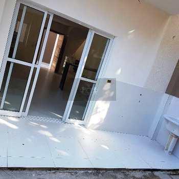 Sobrado de Condomínio em Caraguatatuba, bairro Jardim Britânia