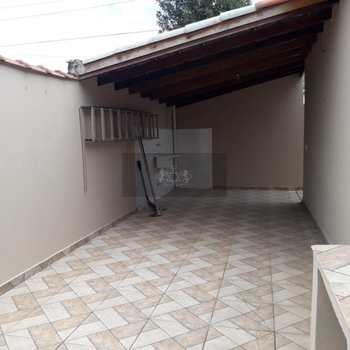 Casa em Caraguatatuba, bairro Balneário Copacabana