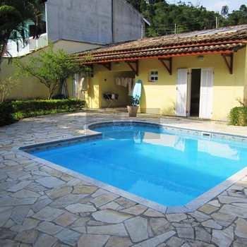 Casa em Caraguatatuba, bairro Jardim Califórnia