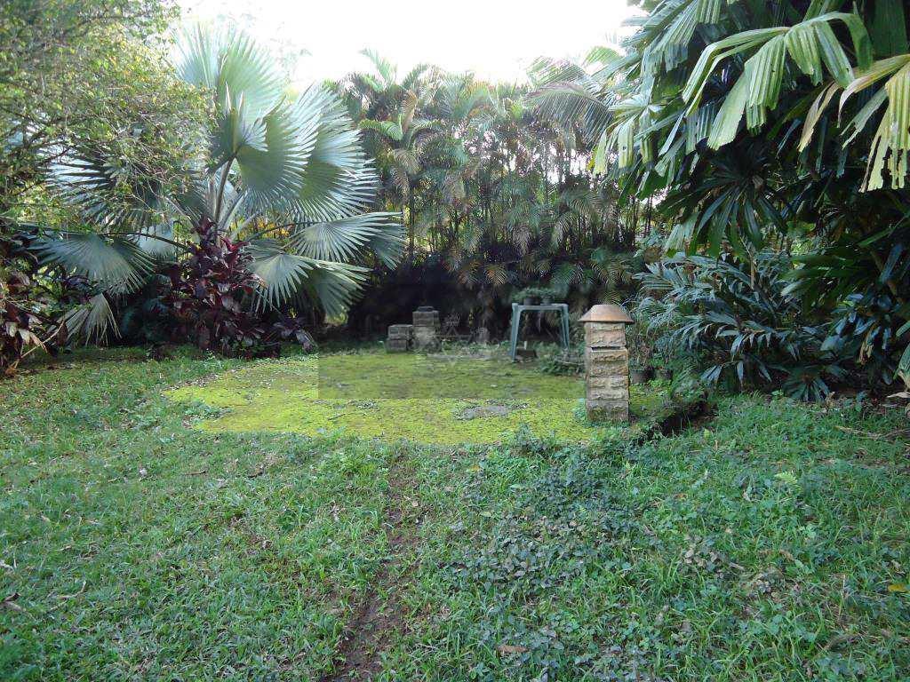 Área em Caraguatatuba, no bairro Poiares