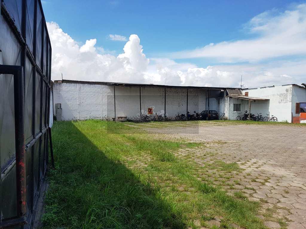 Terreno Comercial em Caraguatatuba, no bairro Jardim Britânia