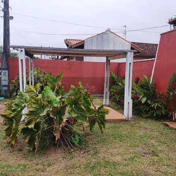 Casa Comercial em Caraguatatuba, bairro Indaiá