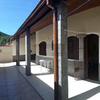 Casa em Caraguatatuba, bairro Jardim Casa Branca