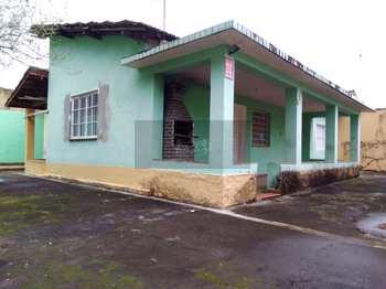 Casa, código 593 em Caraguatatuba, bairro Sumaré