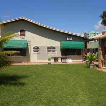 Casa em Caraguatatuba, bairro Vila Balneário Santa Martha