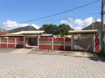 Casa, código 634 em Caraguatatuba, bairro Vila Balneário Santa Martha