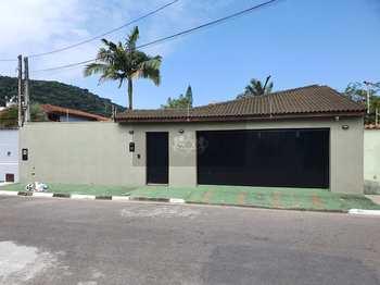Casa, código 675 em Caraguatatuba, bairro Sumaré