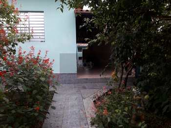 Casa, código 690 em Caraguatatuba, bairro Indaiá