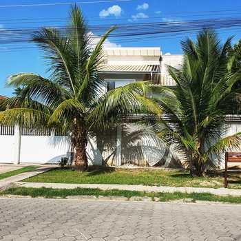 Sobrado em Caraguatatuba, bairro Jardim das Gaivotas