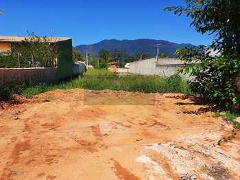 Terreno, código 700 em Caraguatatuba, bairro Jardim Tarumãs