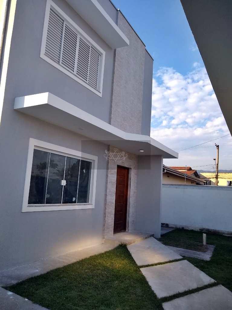 Sobrado em Caraguatatuba, no bairro Jardim das Gaivotas