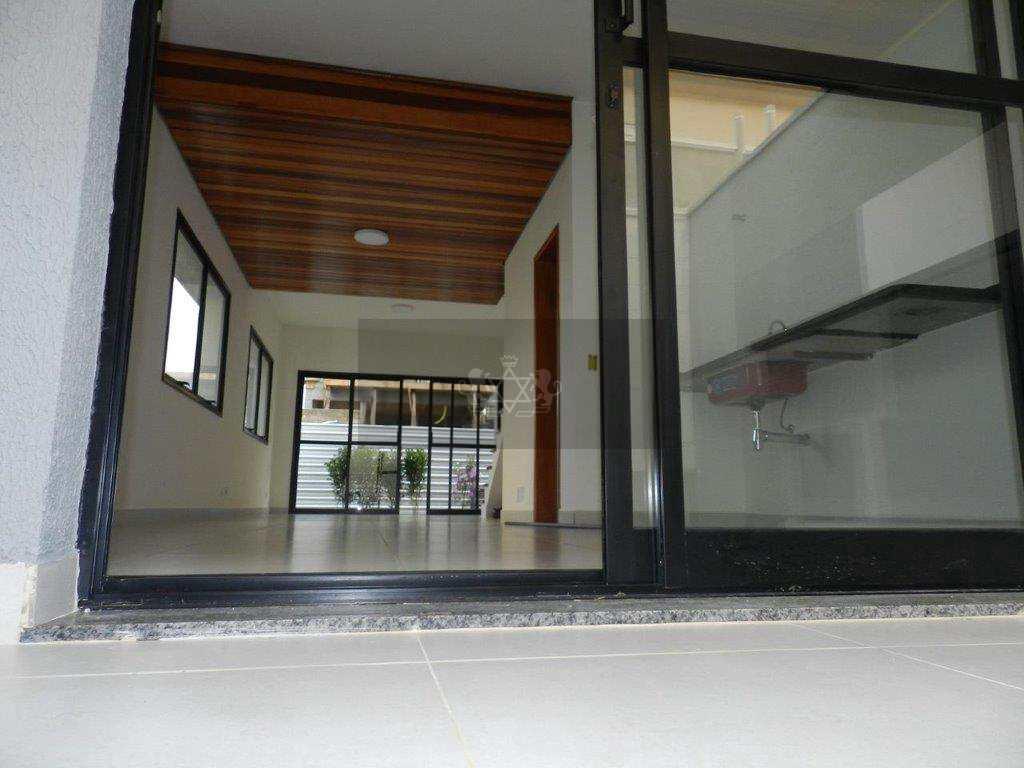 Sobrado de Condomínio em Caraguatatuba, no bairro Pontal de Santa Marina