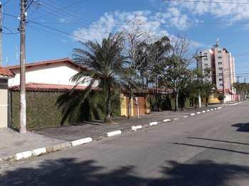 Casa, código 715 em Caraguatatuba, bairro Aruan