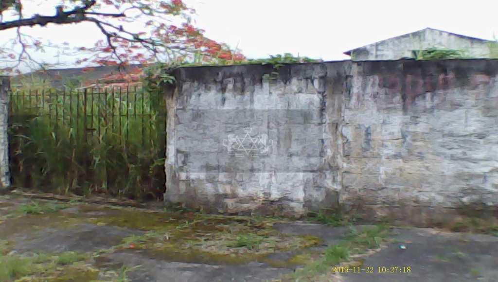 Terreno em Caraguatatuba, no bairro Prainha