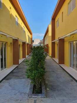 Sobrado de Condomínio, código 722 em Caraguatatuba, bairro Capricórnio II