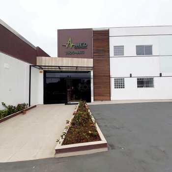 Sala Comercial em Caraguatatuba, bairro Jardim Primavera