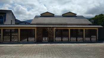 Casa Comercial, código 725 em Caraguatatuba, bairro Martim de Sá