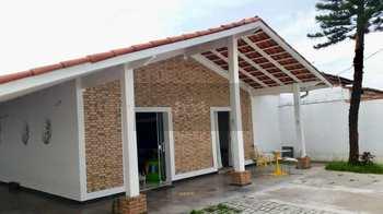 Casa, código 735 em Caraguatatuba, bairro Indaiá