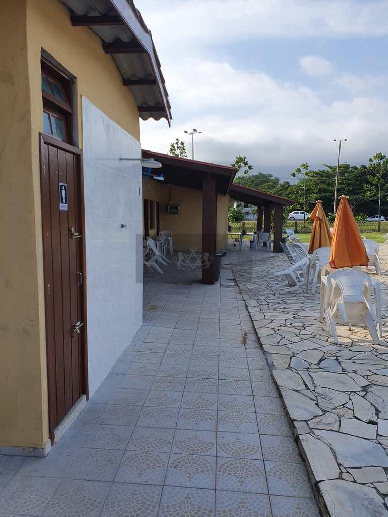 Prédio Comercial em Caraguatatuba, no bairro Capricórnio I