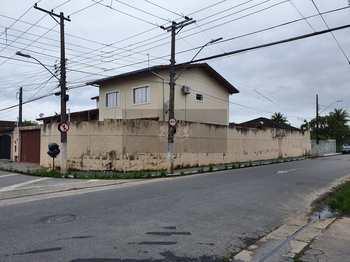 Sobrado, código 745 em Caraguatatuba, bairro Centro