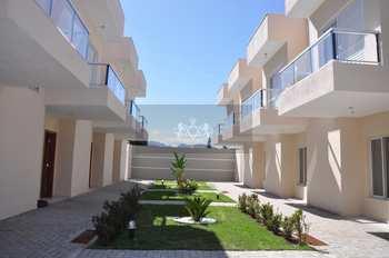 Sobrado de Condomínio, código 752 em Caraguatatuba, bairro Massaguaçu