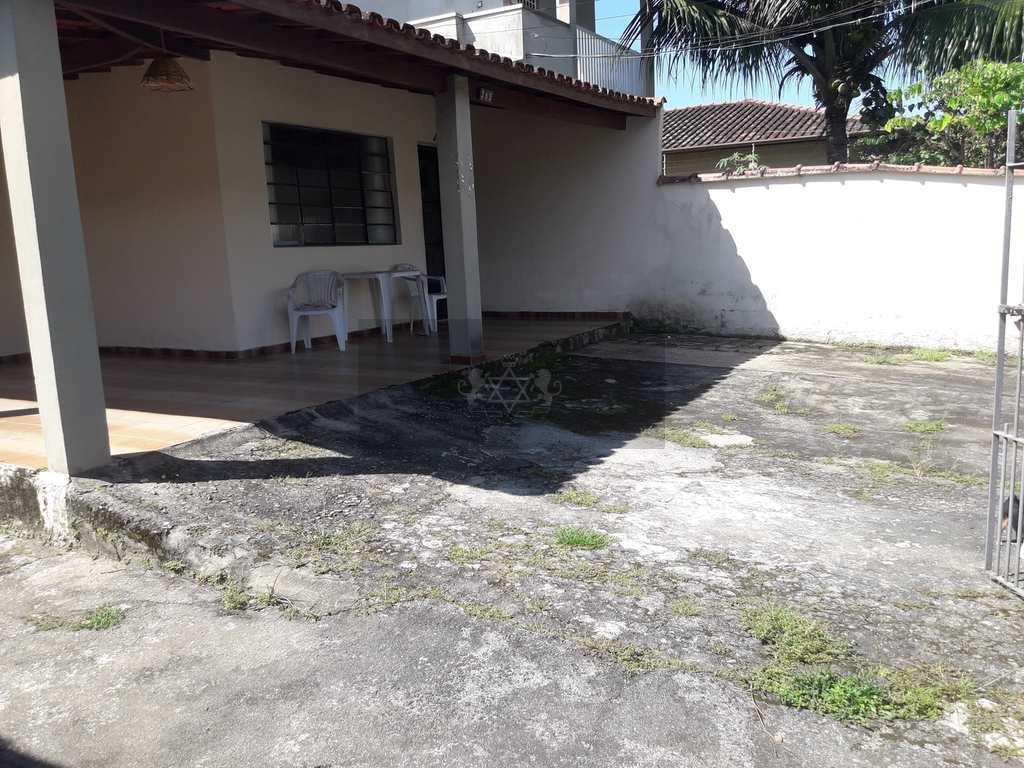 Casa em Caraguatatuba, no bairro Estrela D Alva