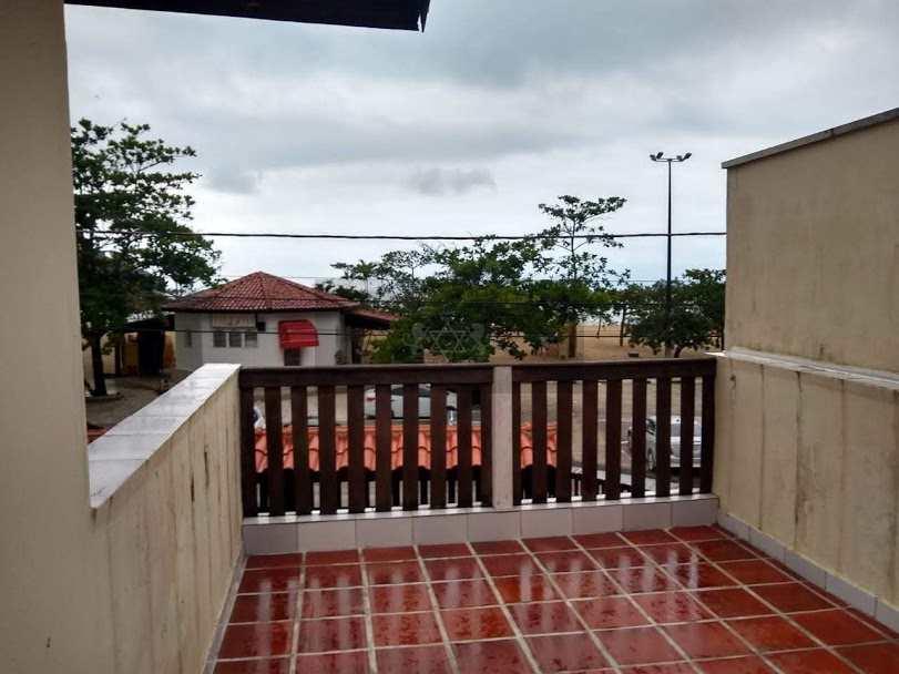 Casa em Caraguatatuba, no bairro Jardim Adalgisa