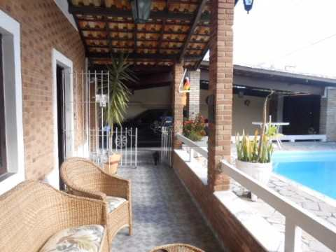 Casa em Caraguatatuba, no bairro Aruan