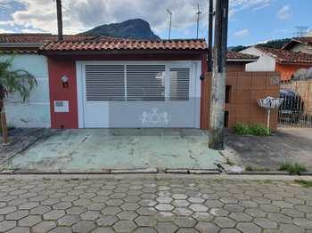 Casa, código 810 em Caraguatatuba, bairro Jardim Jaqueira