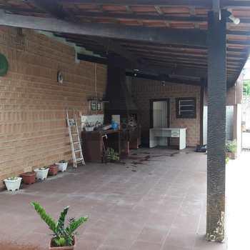 Casa Comercial em Caraguatatuba, bairro Jardim Primavera