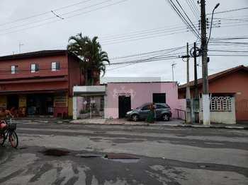 Casa Comercial, código 871 em Caraguatatuba, bairro Travessão